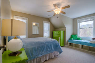 Upstairs Full Bedroom with Mountain Views and Window Alcove Bed