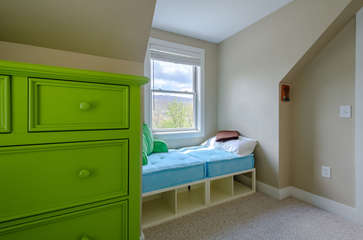 Window Alcove Bed, can sleep a child