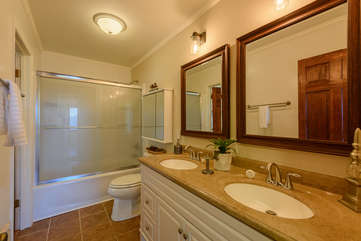 Main Level Bathroom with Granite Double Vanity, Tub/Shower
