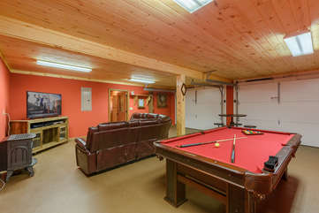 Majestic View game room and den