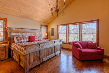 Majestic View Master Bedroom on upper level