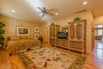 Main Level Bedroom Suite with King Bed and Twin Trundle Bed