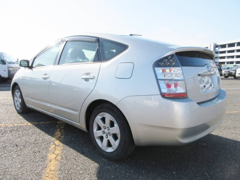 Used 2005 AT Toyota Prius NHW20 Image[2]