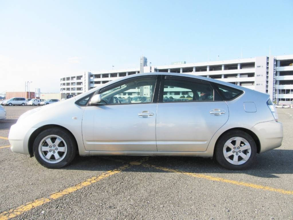 Used 2005 AT Toyota Prius NHW20 Image[4]