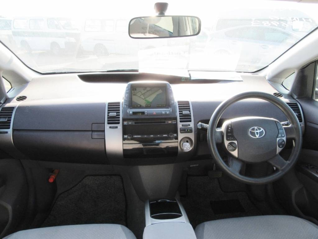 Used 2005 AT Toyota Prius NHW20 Image[16]