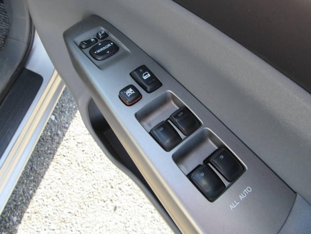 Used 2005 AT Toyota Prius NHW20 Image[19]