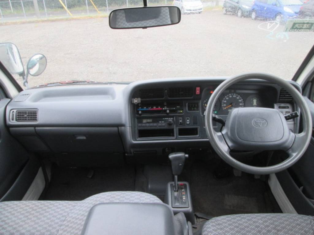 Used 2001 AT Toyota Hiace Van LH186B Image[6]