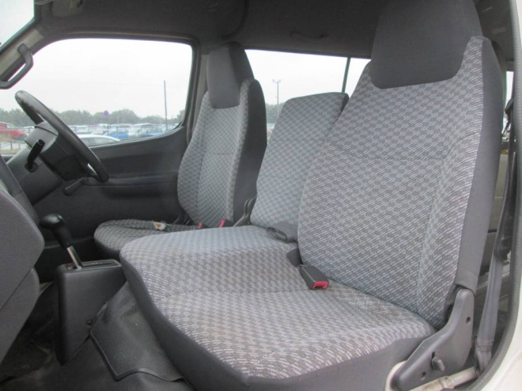 Used 2001 AT Toyota Hiace Van LH186B Image[7]
