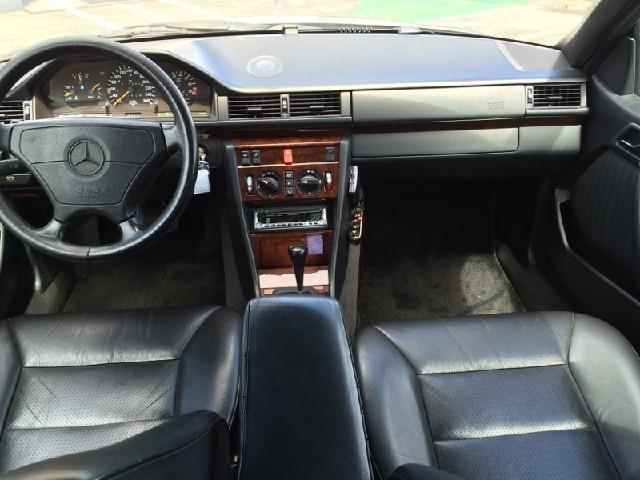Used 1995 AT Mercedes Benz E-Class E-124052 Image[1]