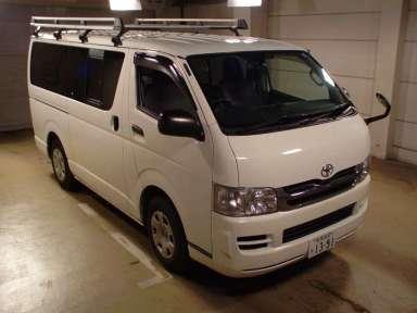 2010 AT Toyota Hiace Van TRH200V
