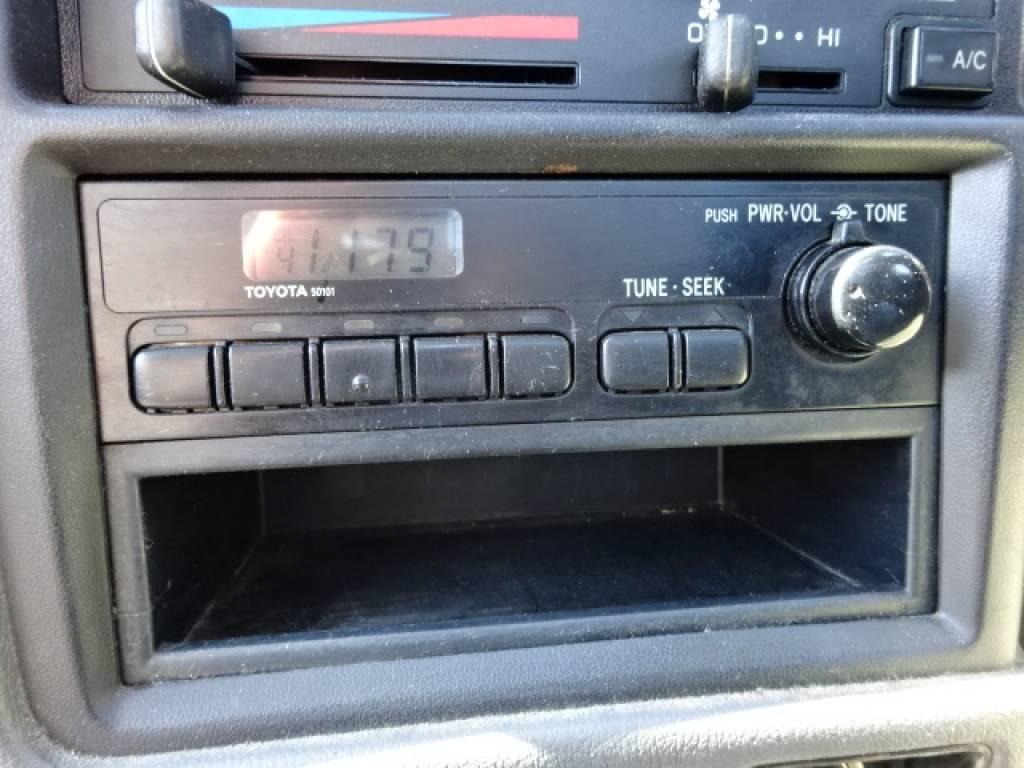 Used 1996 MT Toyota Hilux YN81 Image[23]