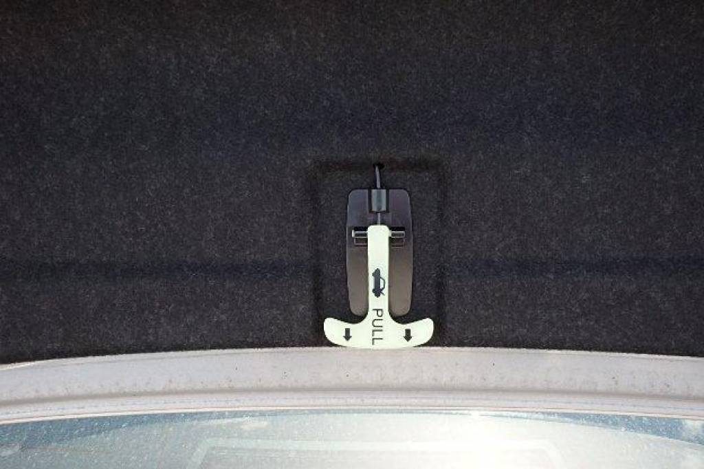 Used 2007 AT Nissan Skyline V36 Image[26]
