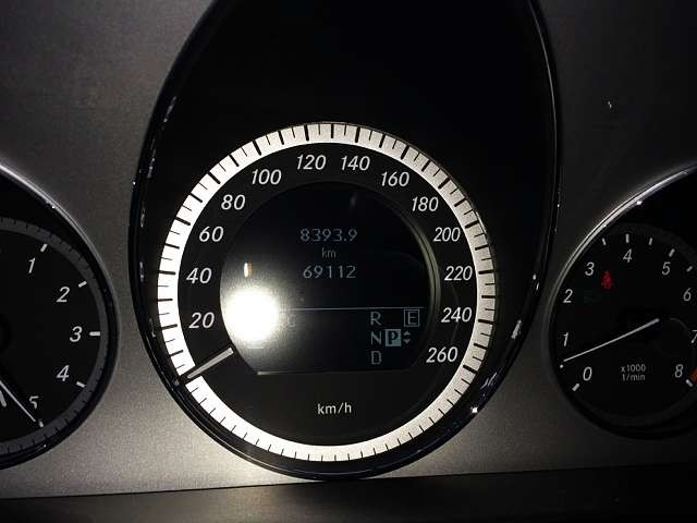 Used 2010 AT Mercedes Benz E-Class CBA-212072 Image[5]