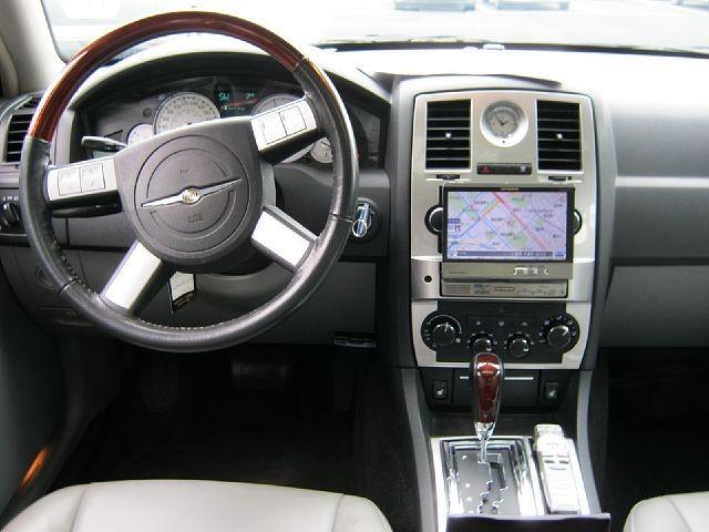 Used 2006 AT Chrysler 300C GH-LX57 Image[1]