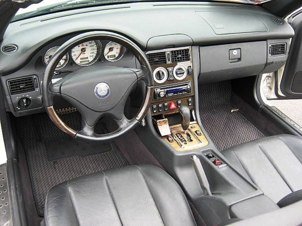 Used 2001 AT Mercedes Benz SLK Class GF-170465 Image[1]