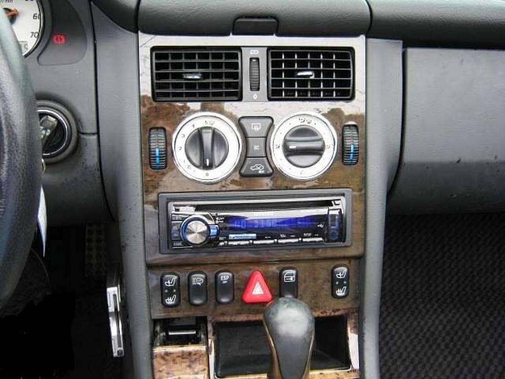 Used 2001 AT Mercedes Benz SLK GF-170465 Image[4]