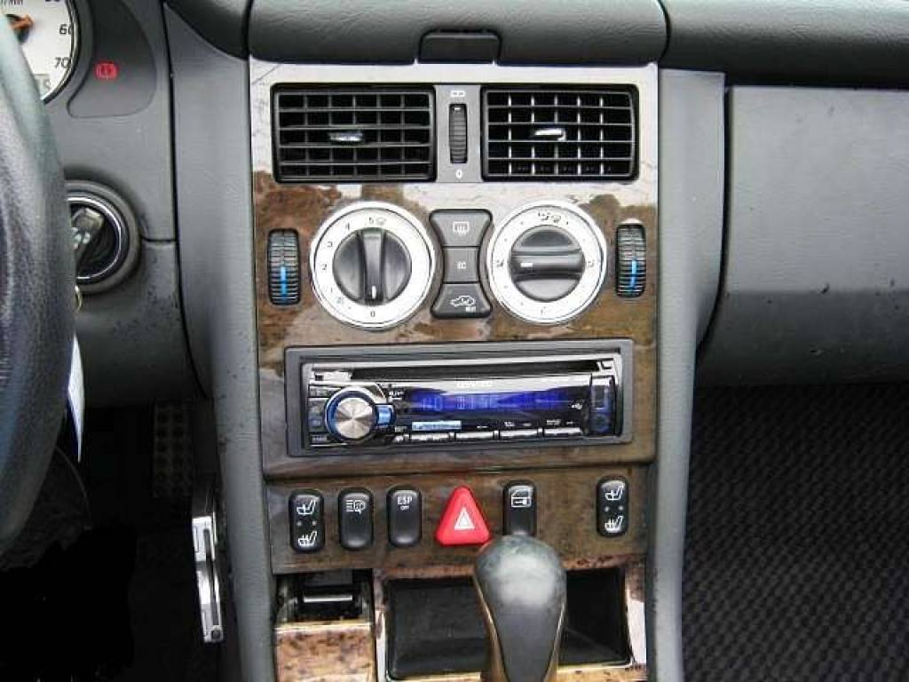 Used 2001 AT Mercedes Benz SLK Class GF-170465 Image[4]