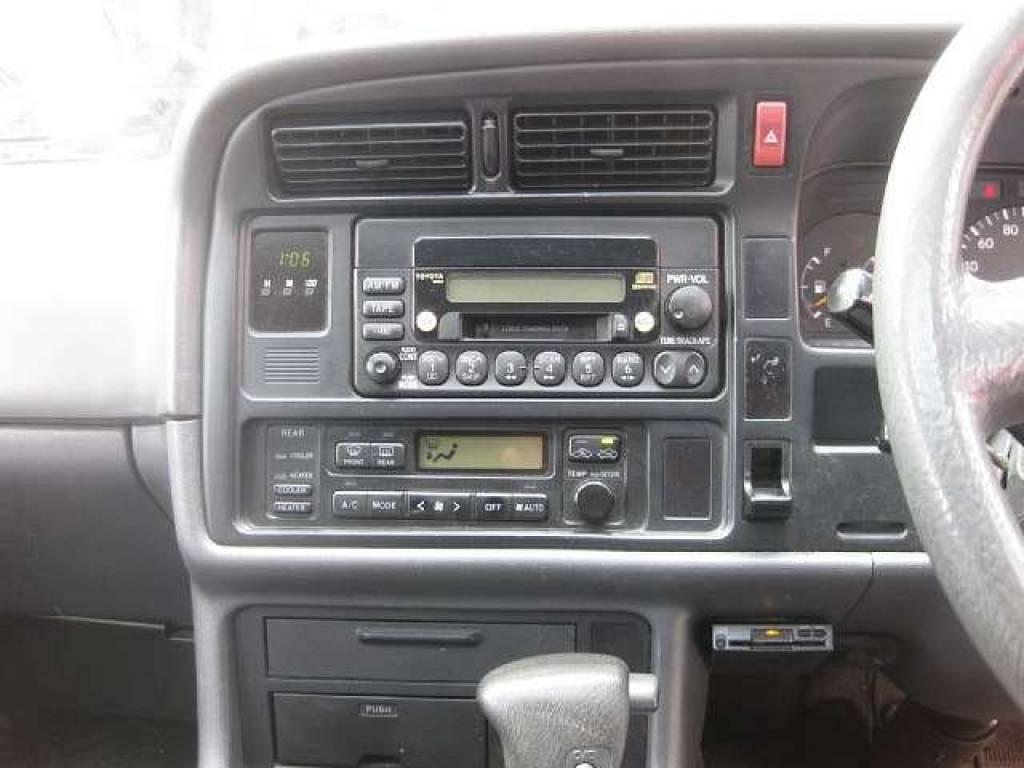 Used 2001 AT Toyota Hiace Van GF-RZH101G Image[6]
