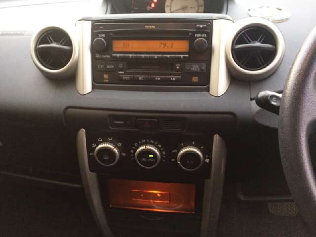 Used 2004 AT Toyota IST CBA-NCP60 Image[5]