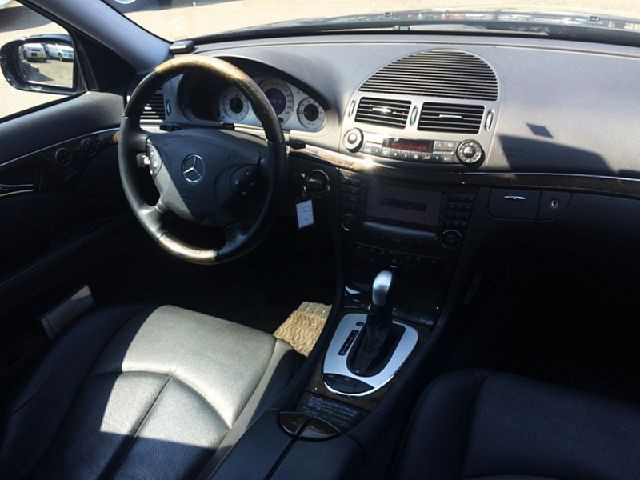 Used 2004 AT Mercedes Benz E-Class GH-211270 Image[1]