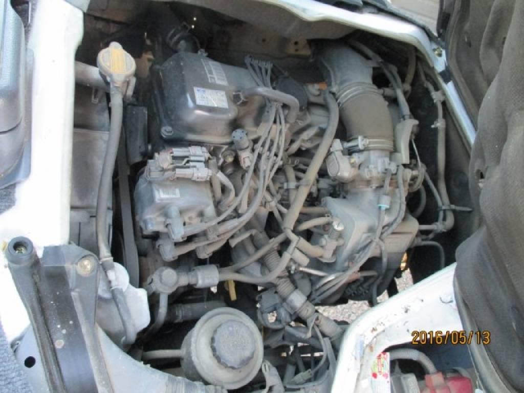 Used 2003 AT Toyota Hiace Van RZH112V Image[27]