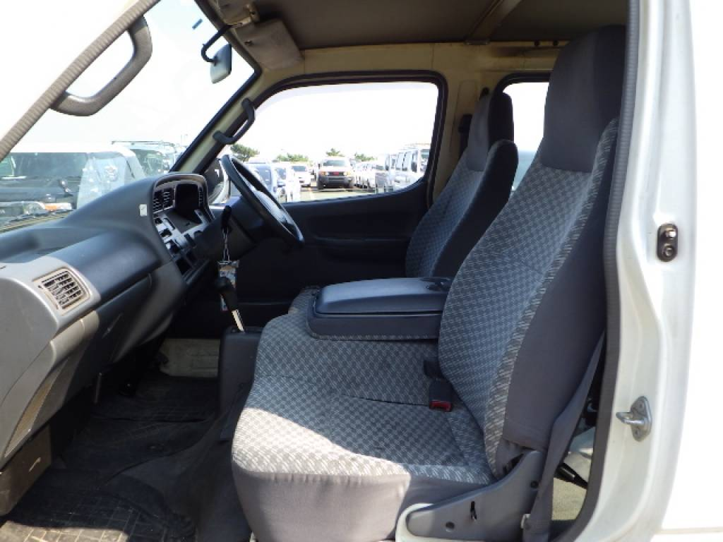 Used 2003 AT Toyota Hiace Van RZH102V Image[15]
