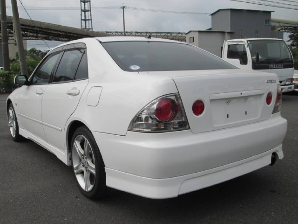 Used 2001 MT Toyota Altezza SXE10 Image[2]