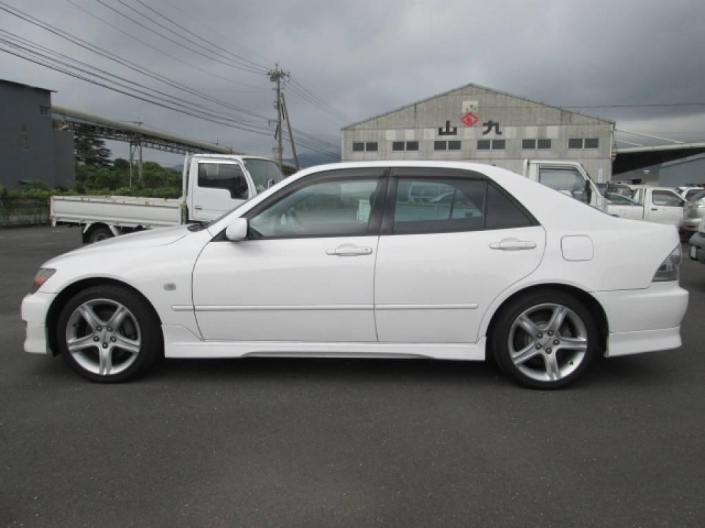 Used 2001 MT Toyota Altezza SXE10 Image[4]