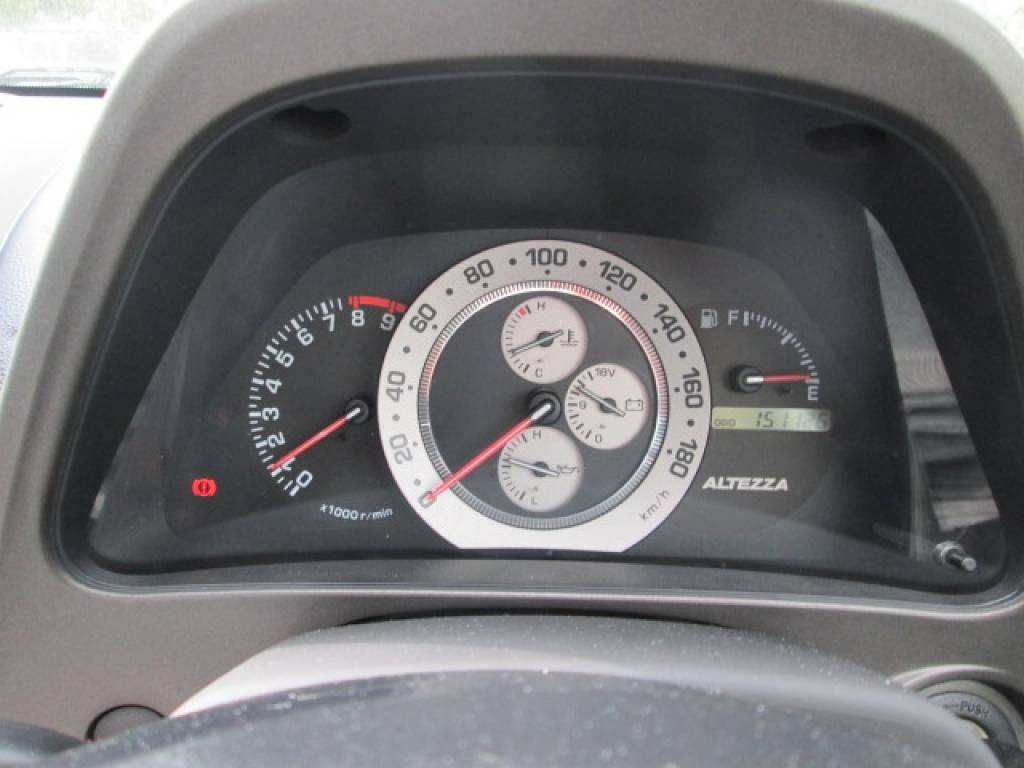 Used 2001 MT Toyota Altezza SXE10 Image[10]