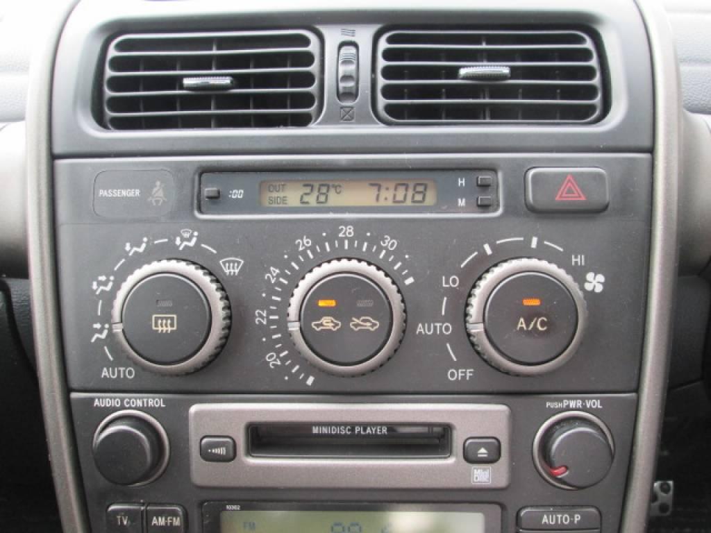 Used 2001 MT Toyota Altezza SXE10 Image[14]