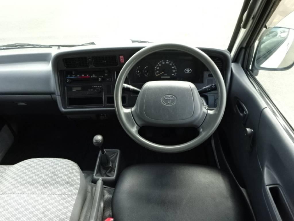 Used 2001 MT Toyota Hiace Van LH162V Image[22]