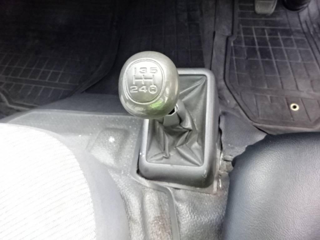 Used 2001 MT Toyota Hiace Van LH162V Image[27]