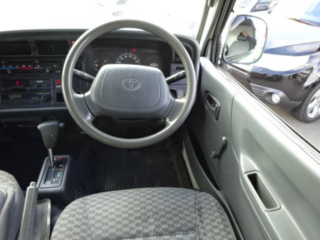 Used 2002 AT Toyota Hiace Van LH172V Image[9]