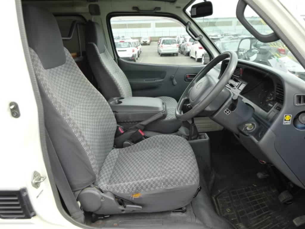 Used 2000 MT Toyota Hiace Van LH172V Image[18]