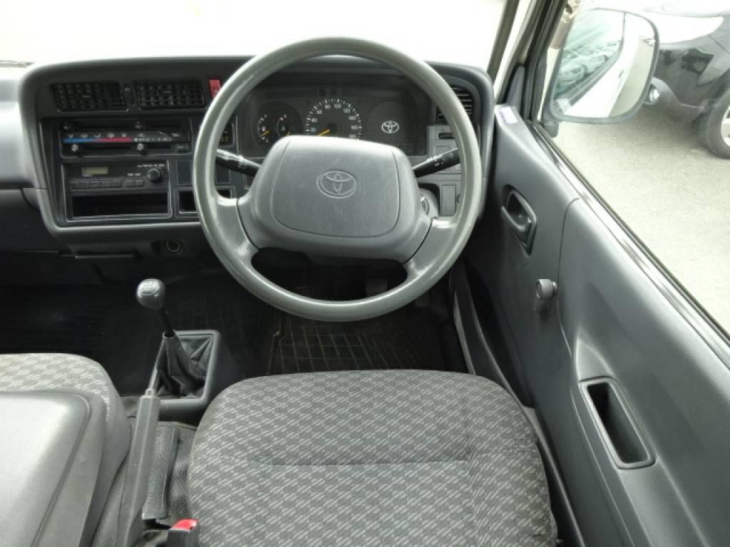 Used 2000 MT Toyota Hiace Van LH172V Image[22]