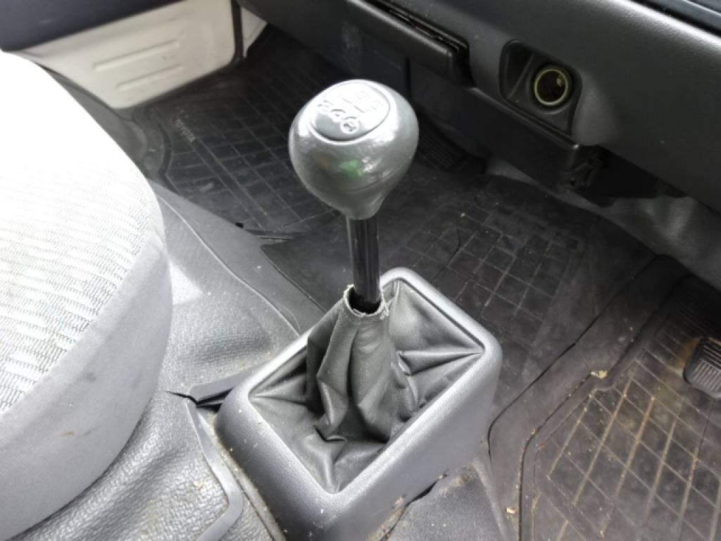 Used 2000 MT Toyota Hiace Van LH172V Image[27]