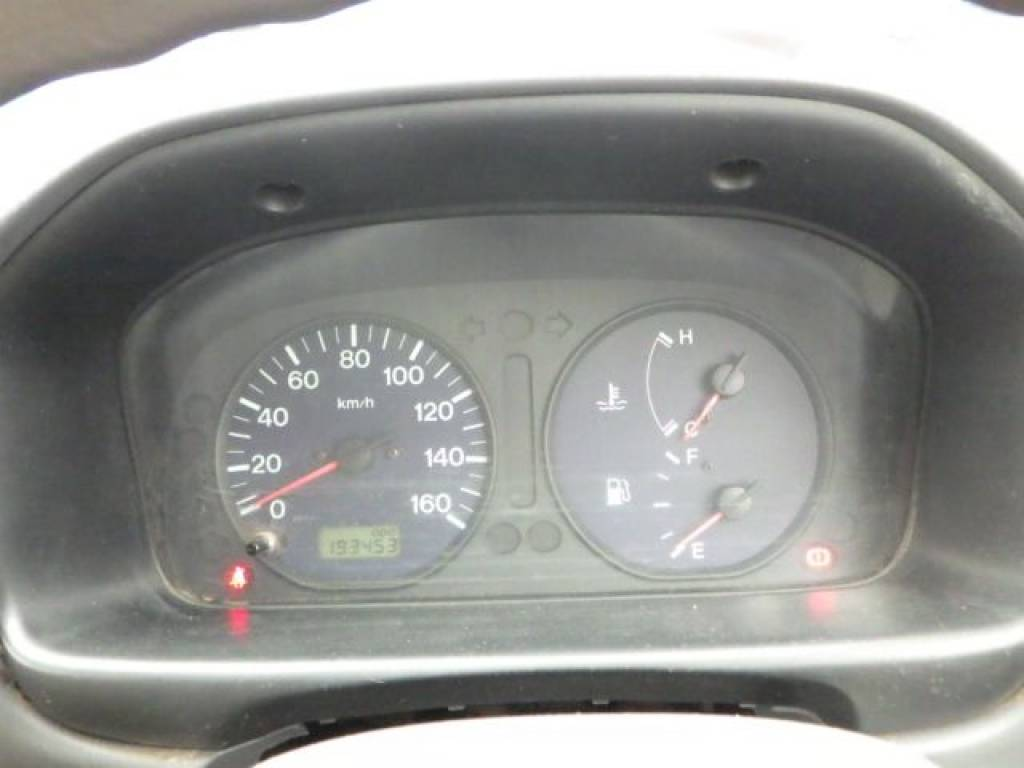 Used 2000 MT Mazda Bongo Van SK82V Image[15]