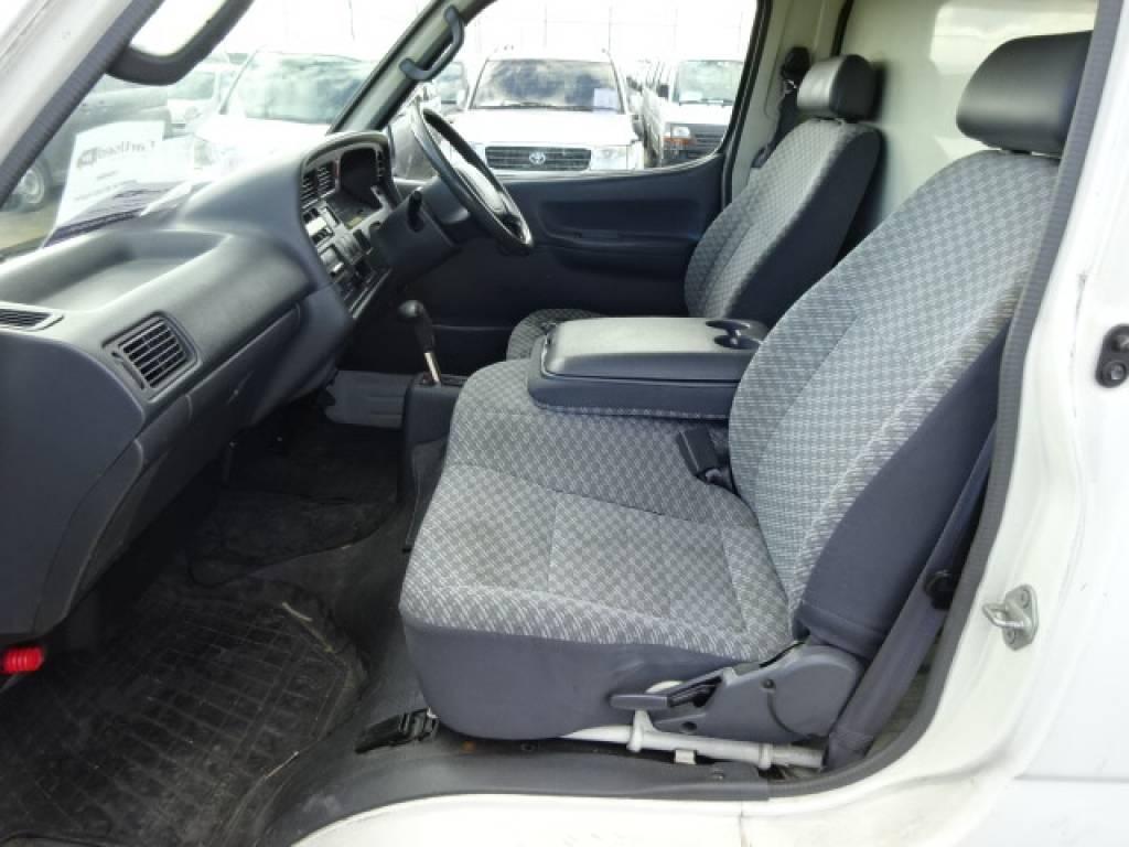 Used 2003 AT Toyota Hiace Van TC-TRH112V Image[19]