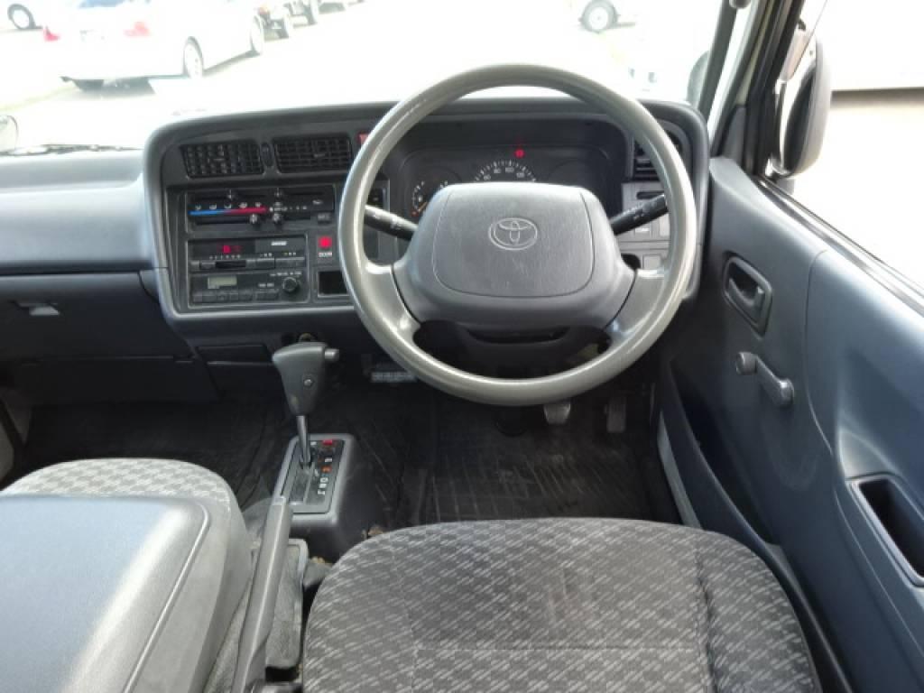 Used 2003 AT Toyota Hiace Van TC-TRH112V Image[23]