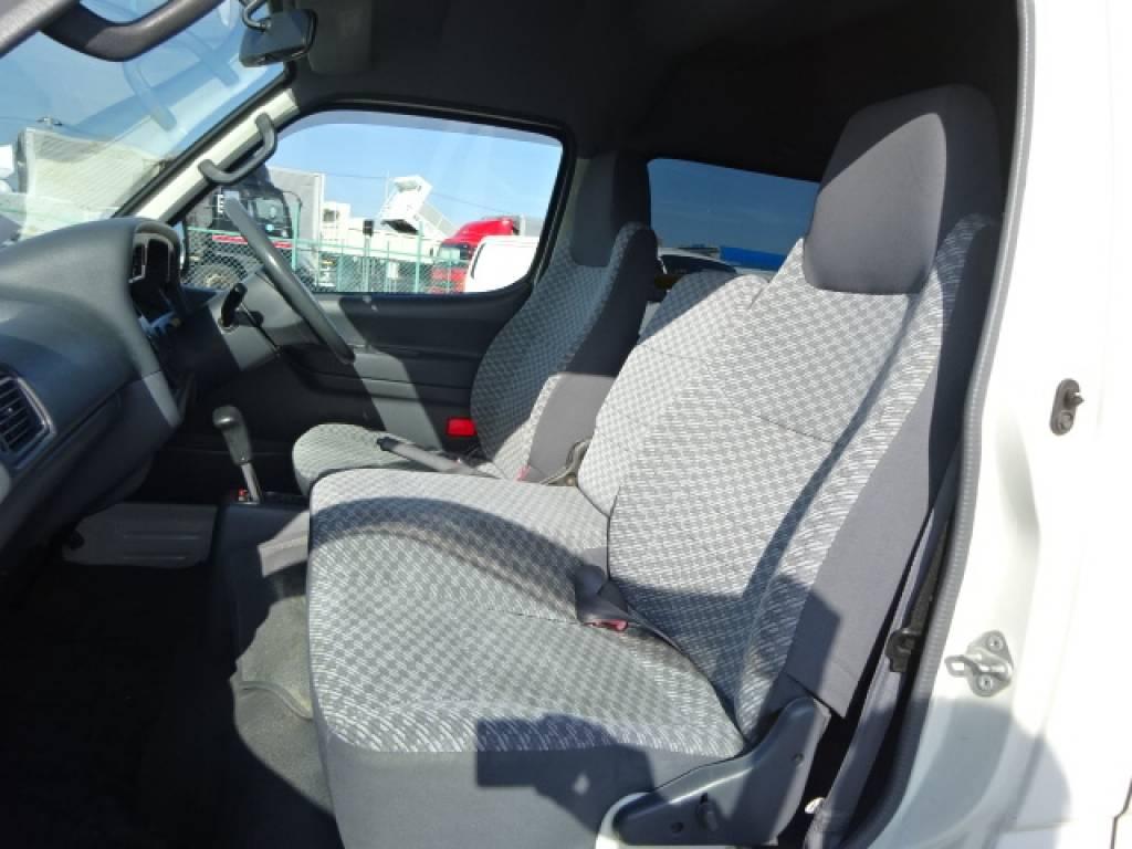Used 2004 AT Toyota Hiace Commuter TRH124B Image[17]