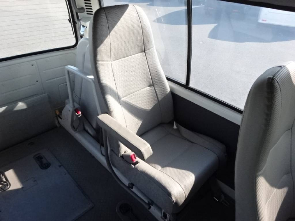 Used 2004 AT Toyota Hiace Commuter TRH124B Image[20]