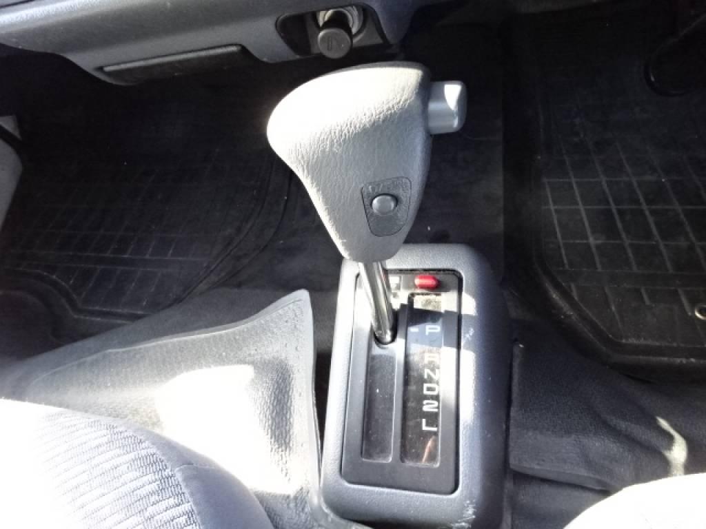Used 2004 AT Toyota Hiace Commuter TRH124B Image[28]