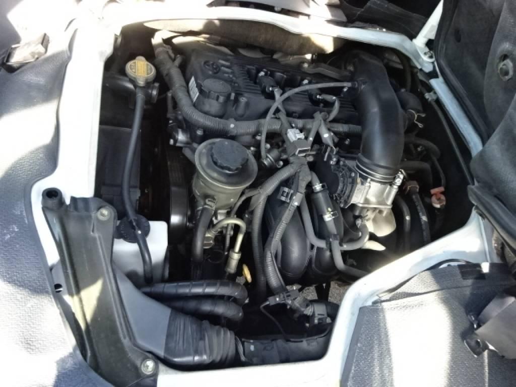 Used 2004 AT Toyota Hiace Commuter TRH124B Image[30]
