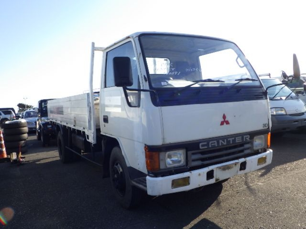 Used 1992 MT Mitsubishi Canter FE337EV