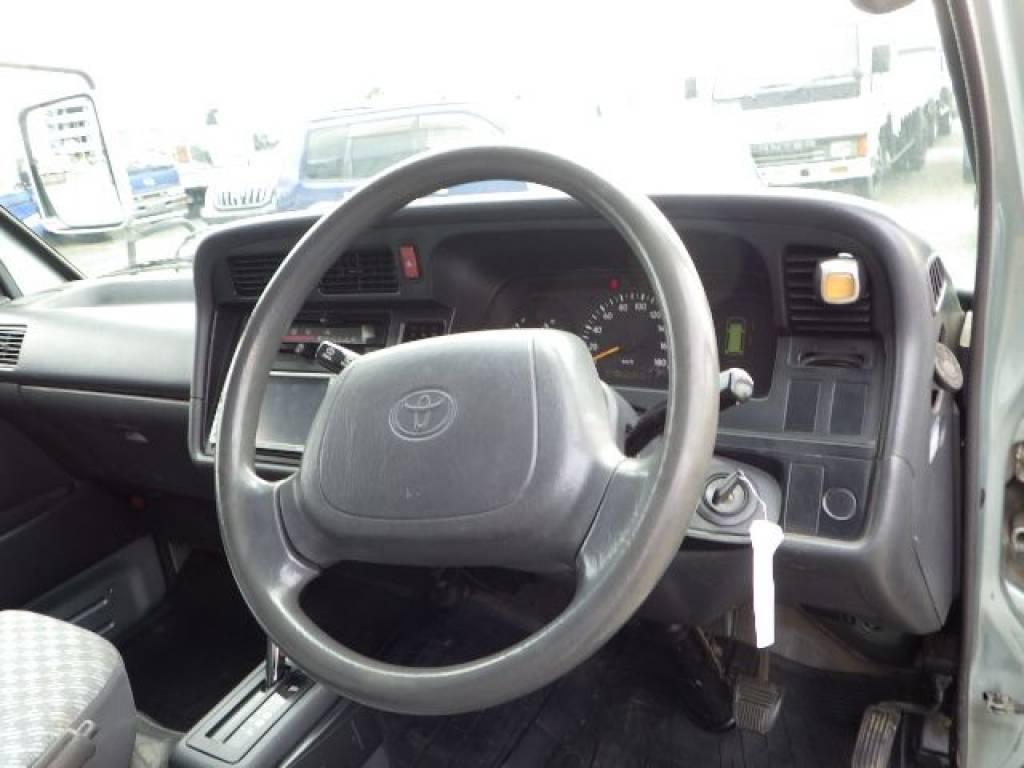 Used 2001 AT Toyota Hiace Van RZH112V Image[11]