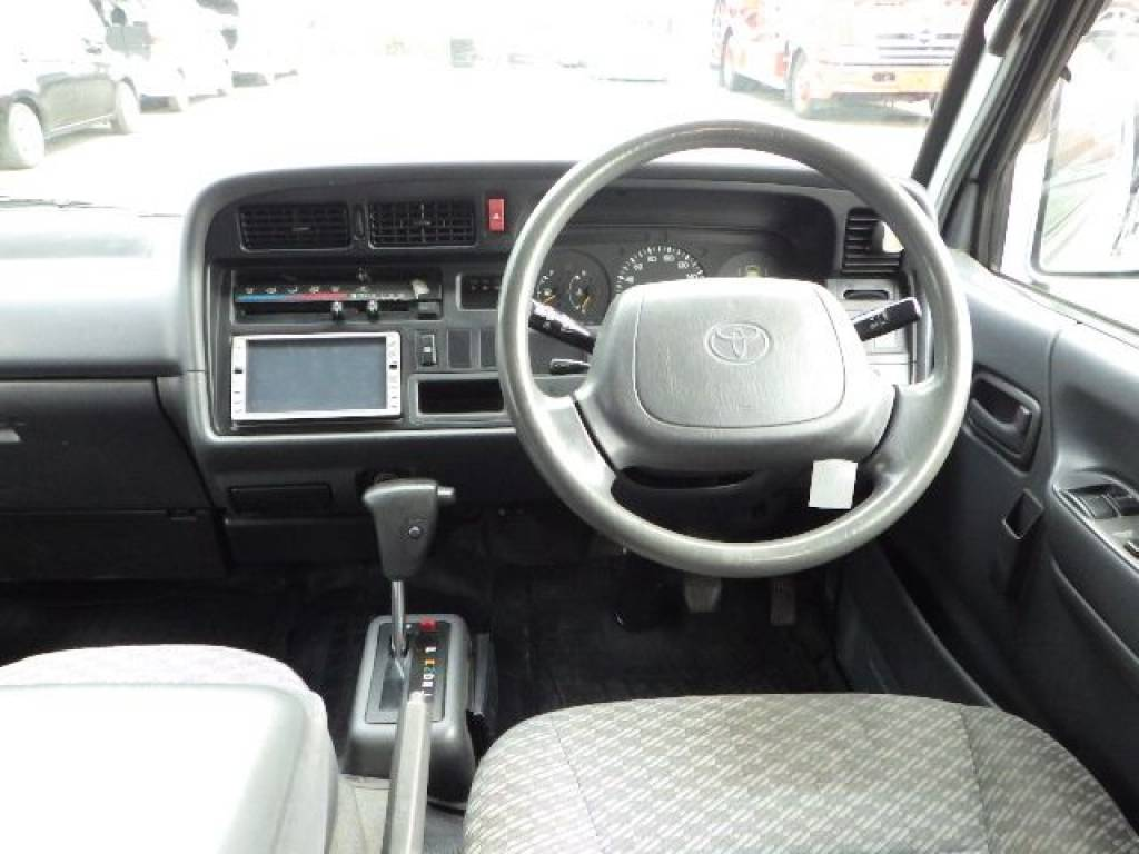 Used 2001 AT Toyota Hiace Van RZH112V Image[12]