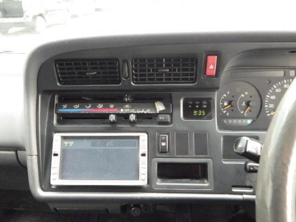 Used 2001 AT Toyota Hiace Van RZH112V Image[17]