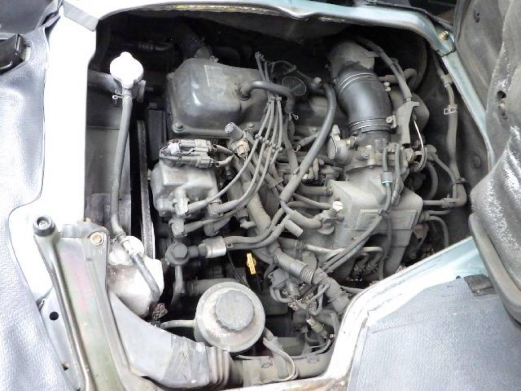 Used 2001 AT Toyota Hiace Van RZH112V Image[19]