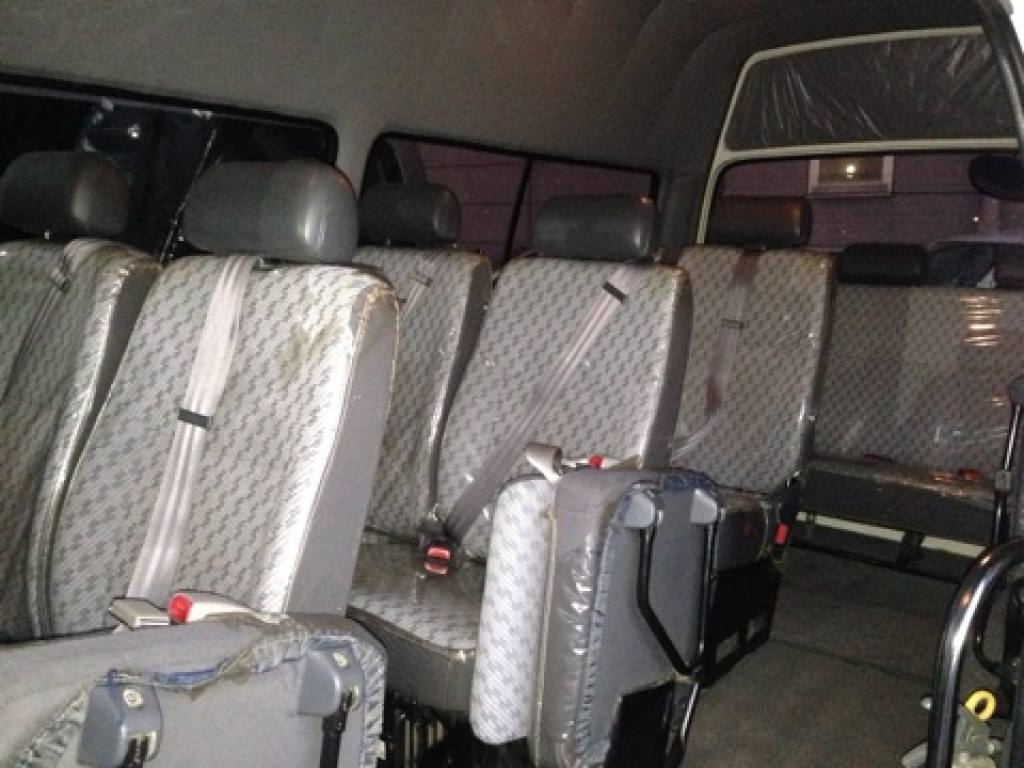 Used 2003 AT Toyota Hiace Commuter TRH124B Image[7]