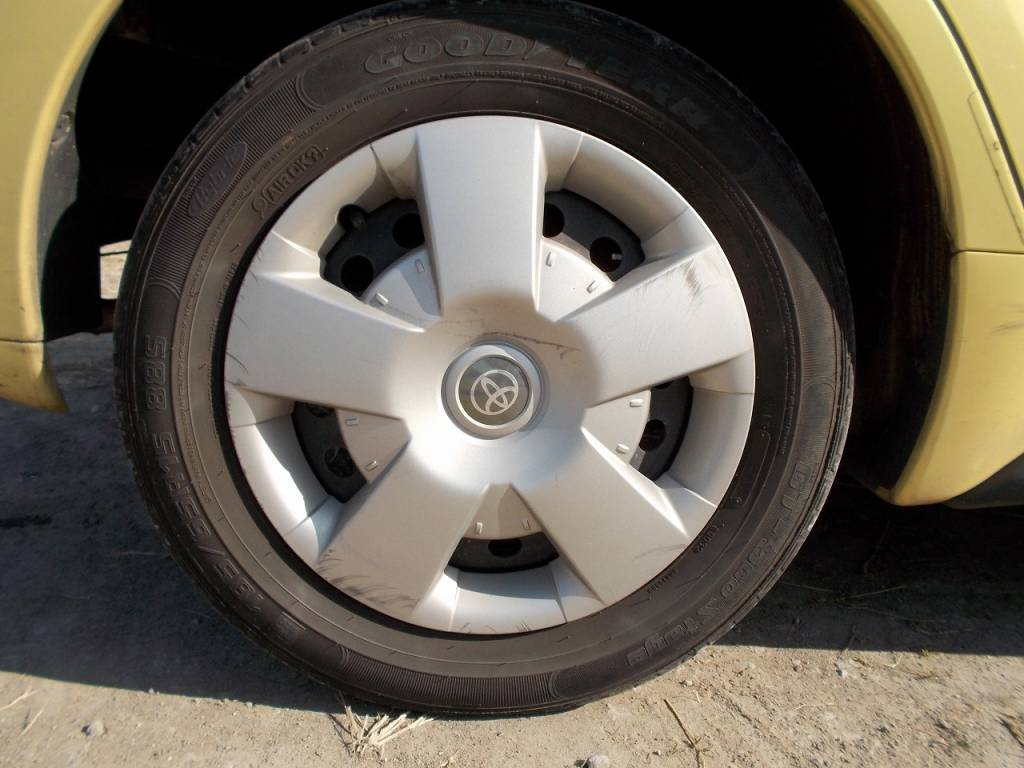 Used 2004 AT Toyota IST NCP60 Image[32]